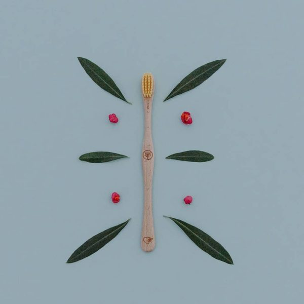 Produktfoto einer Holzzahnbürste